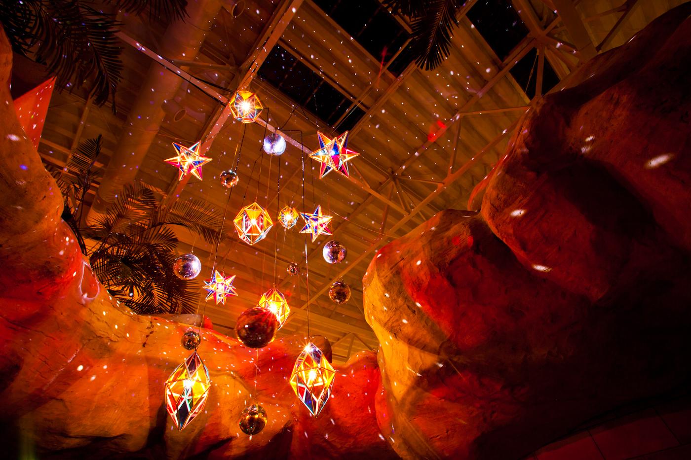 光のベゴニアガーデン|NENOUWASA/ねのうわさ